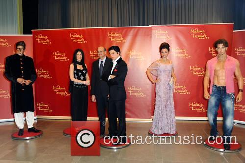 Amitabh Bachchan, Kareena Kapoor, S.e. Vijay Gokhale, Shah Rukh Khan, Aishwarya Rai and Hrithik Roshan 4