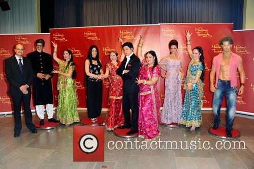 Amitabh Bachchan, Kareena Kapoor, S.e. Vijay Gokhale, Shah Rukh Khan, Aishwarya Rai, Hrithik Roshan and Rang De By Zaraa Vi 10
