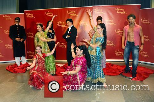 Amitabh Bachchan, Kareena Kapoor, Shah Rukh Khan, Hrithik Roshan and Rang De By Zaraa Vi 3