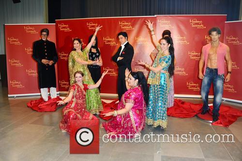 Amitabh Bachchan, Kareena Kapoor, Shah Rukh Khan, Hrithik Roshan and Rang De By Zaraa Vi 8