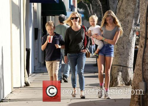 Reese Witherspoon, Ava Phillippe, Tennessee Toth and Deacon Phillippe 3