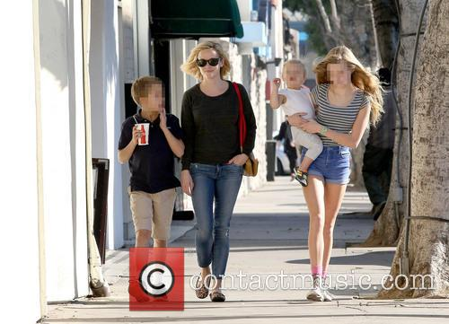 Reese Witherspoon, Ava Phillippe, Tennessee Toth and Deacon Phillippe 9