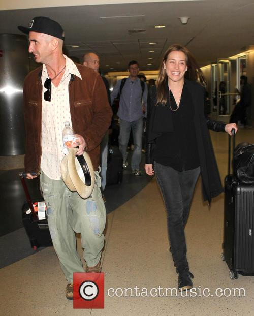 piper perabo stephen kay celebrities arrive at lax 4005140