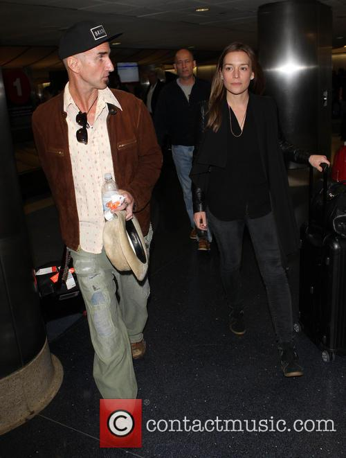piper perabo stephen kay celebrities arrive at lax 4005152