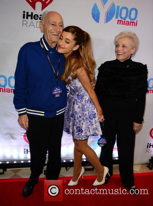 Ariana Grande, With Her Grand Parent and Jam 3
