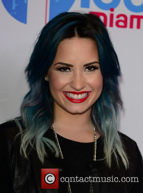 demi lovato y100 s jingle ball 2013 4005532