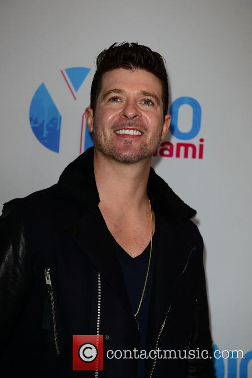 Robin Thicke, BB and T Center