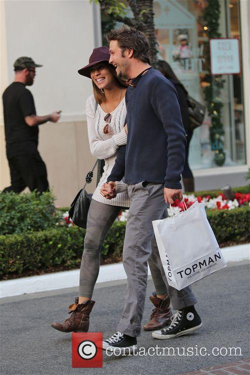 Breckin Meyer shops at TopShop with girlfriend