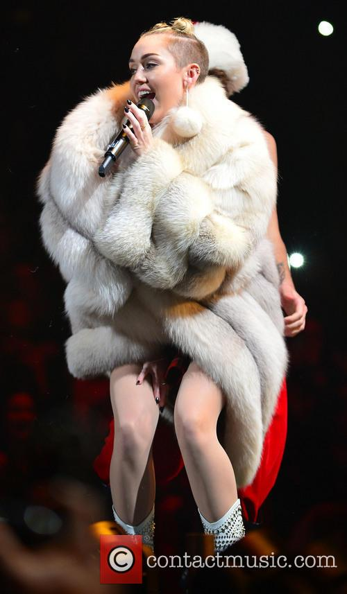 miley cyrus y100 s jingle ball 2013 4005693