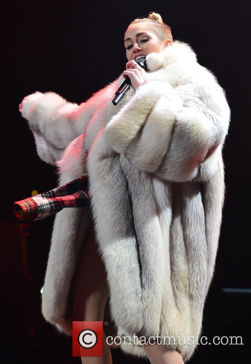 Miley Cyrus, BB and T Center
