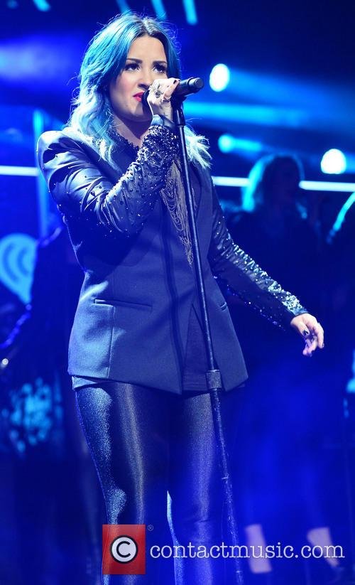 demi lovato y100 s jingle ball 2013 4005787