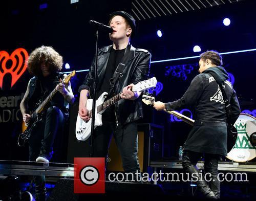 Joe Trohman, Patrick Stump, Pete Wentz, Andy Hurley, Fall Out Boy, BB and T Center