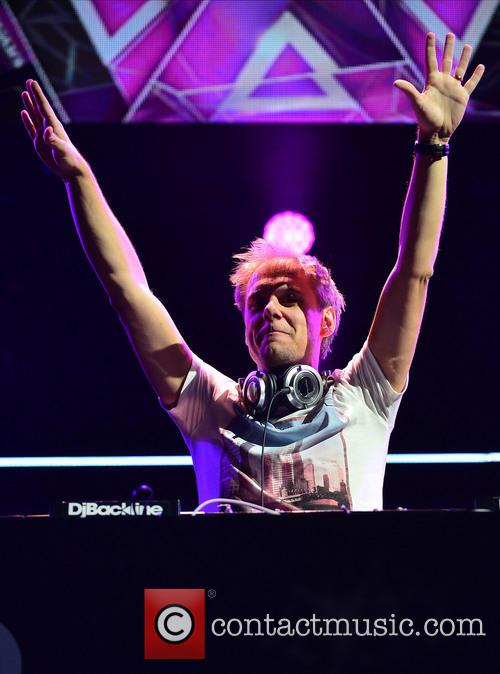 armin van buuren y100 s jingle ball 4005827