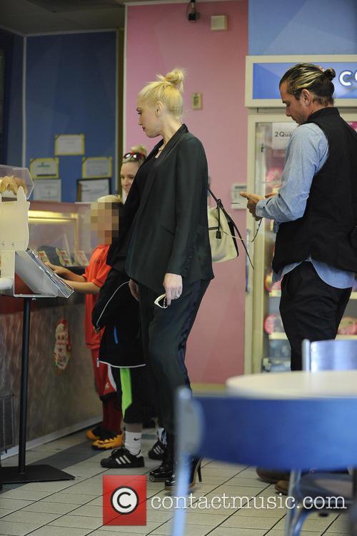 Gwen Stefani and Gavin Rossdale take their sons...