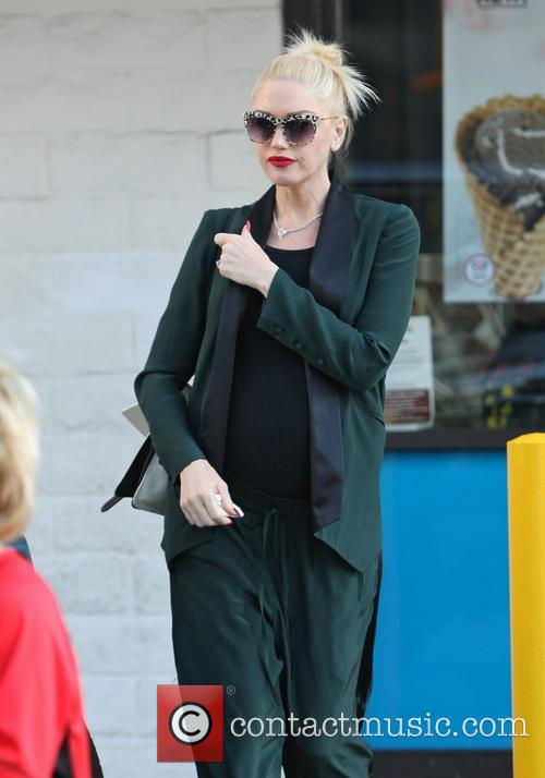 Gwen Stefani and husband take their sons out for ice cream at Baskin Robbins in LA.
