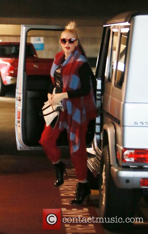 Gwen stefani leaves a Doctors office
