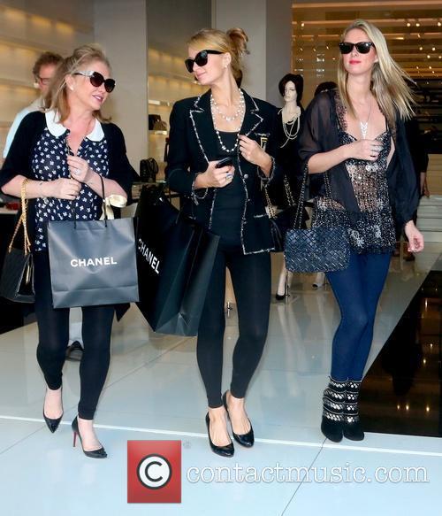 Kathy Hilton, Paris Hilton and Nicky Hilton 1