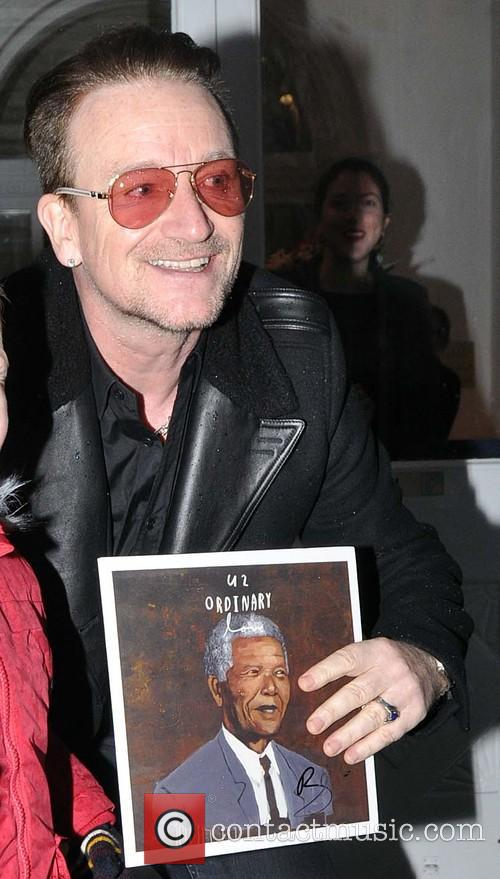 Bono meets fans at the Cliff Townhouse Restaurant