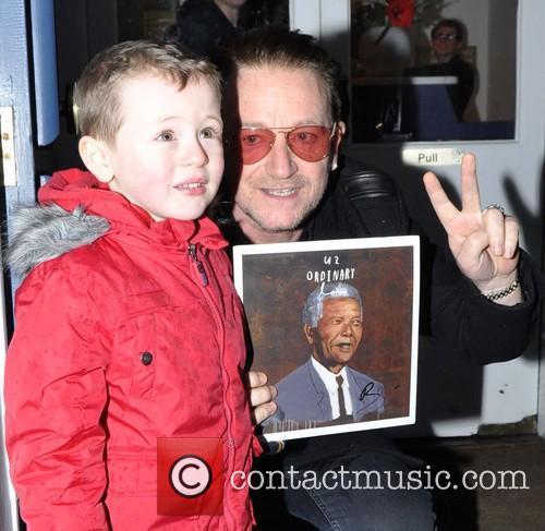 Bono and Sean Paul ( 4 ) 2