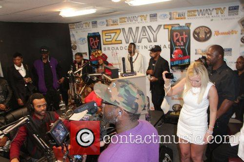 Luenell broadcasts her online Christmas Radio show