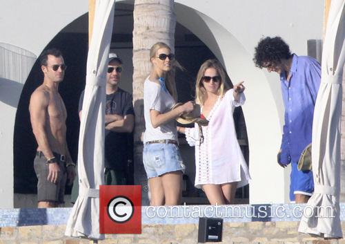 Justin Theroux, Howard Stern, Beth Ostrosky Stern and Emily Blunt