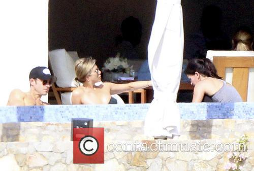 Jennifer Aniston,Justin Theroux and Courtney Cox in Los...