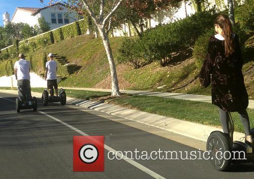 Justin Bieber and Selena Gomez 4