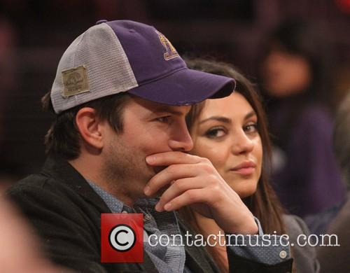 Mila Kunis and Ashton Kutcher 3