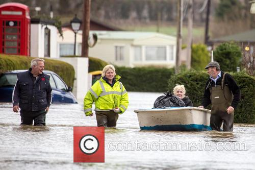UK faces flooding amid storms and high tides