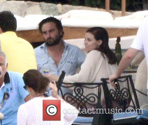 Johnny Galecki and Kelli Garner 11