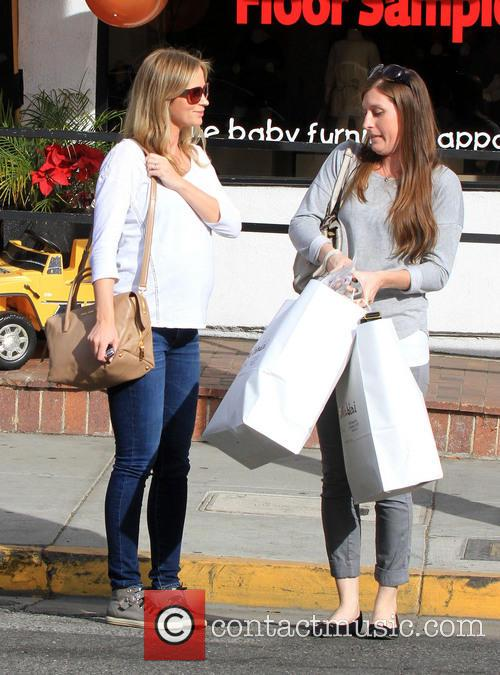 Pregnant Emily Blunt leaving Bel Bambini
