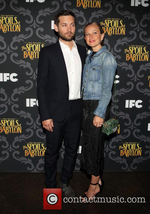 Tobey Maguire and Jennifer Meyer 4