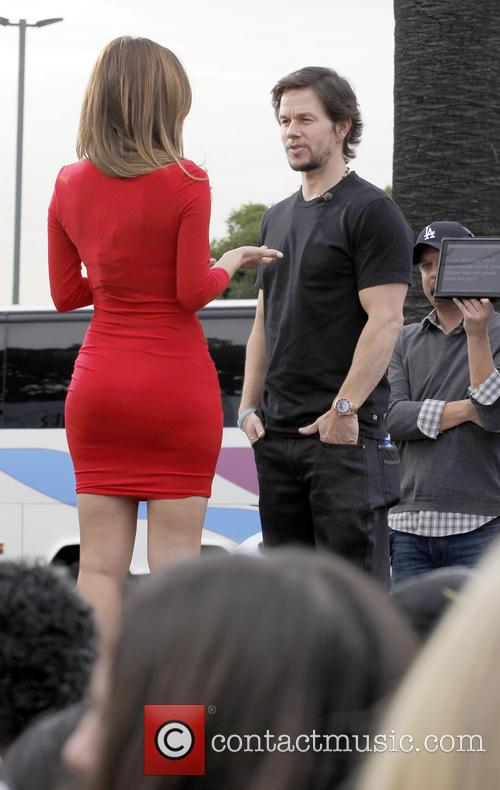 Mark Wahlberg and Maria Menounos 2