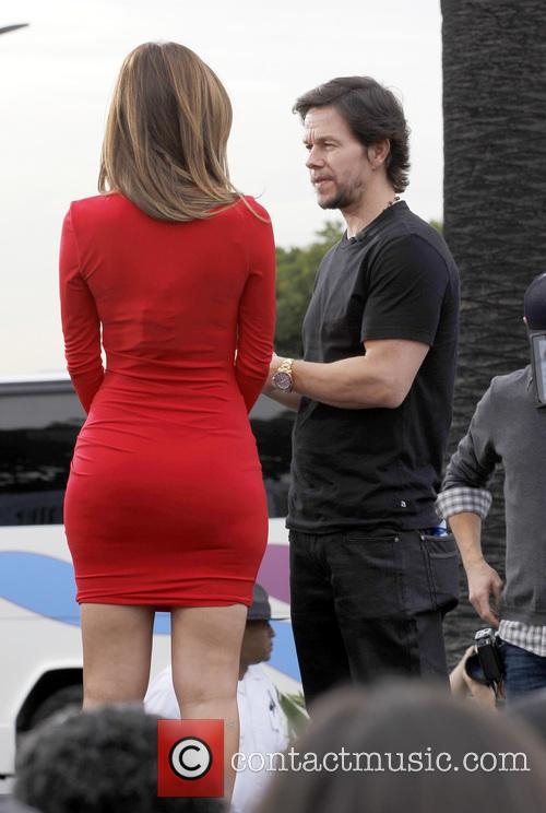 Mark Wahlberg and Maria Menounos 10