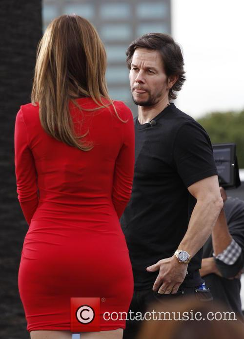 Mark Wahlberg and Maria Menounos 11