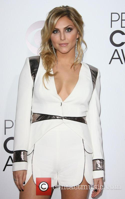 cassie scerbo peoples choice awards 2014 arrivals 4015524