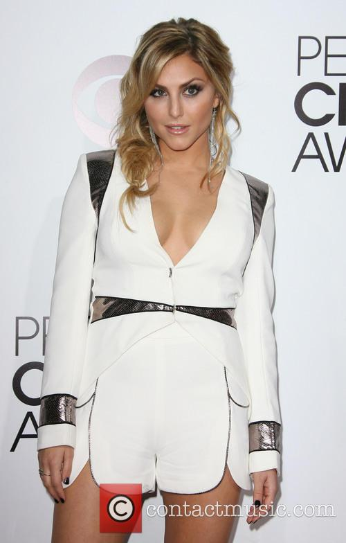cassie scerbo peoples choice awards 2014 arrivals 4015533