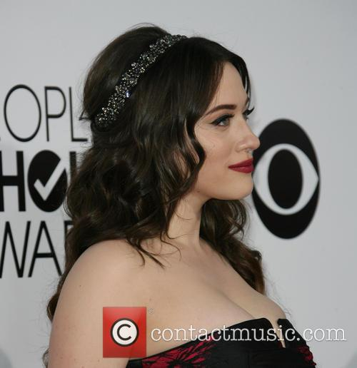 kat dennings peoples choice awards 2014 arrivals 4015488