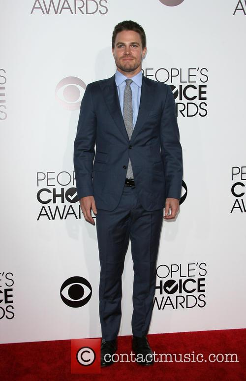 stephen amell peoples choice awards 2014 arrivals 4015520