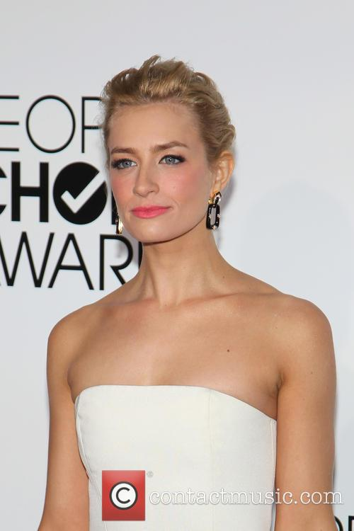 Beth Behrs 6