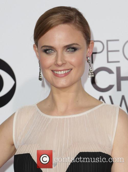 emily deschanel the 40th annual peoples choice 4014983