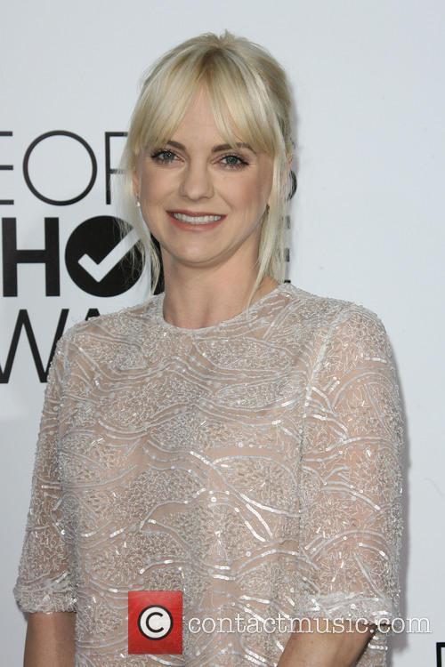 anna faris peoples choice awards 2014 arrivals 4015401