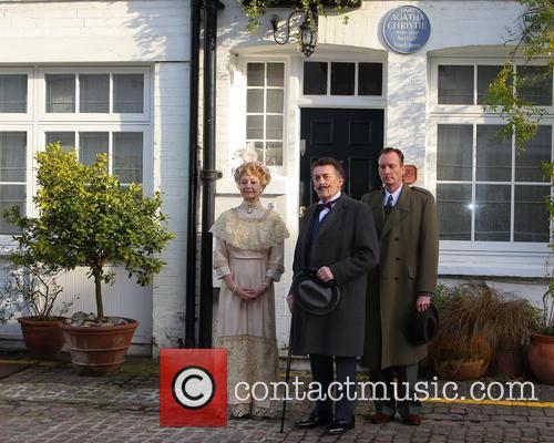 Robert Powell, Liza Goddard and Robin Mccallum 5