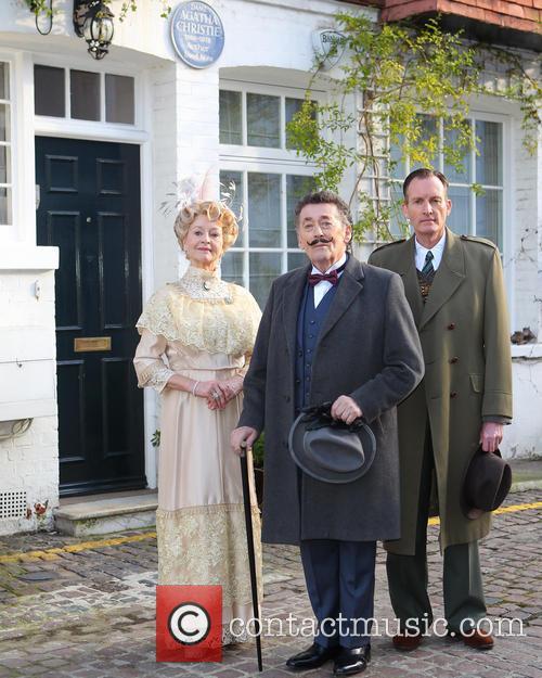 Robert Powell, Liza Goddard and Robin Mccallum 10