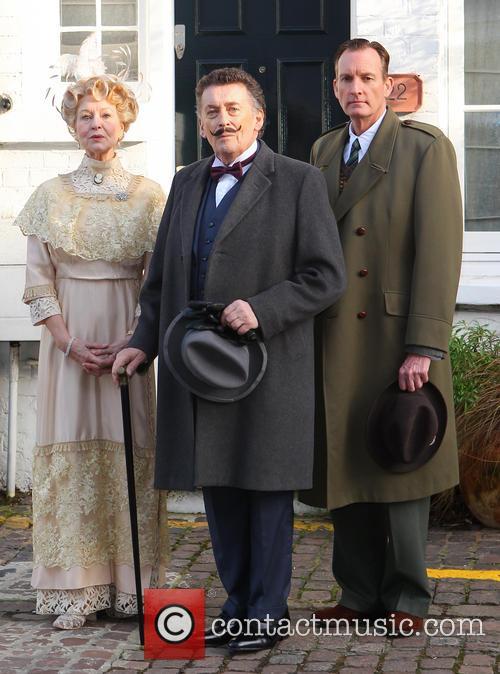 Robert Powell, Liza Goddard and Robin Mccallum