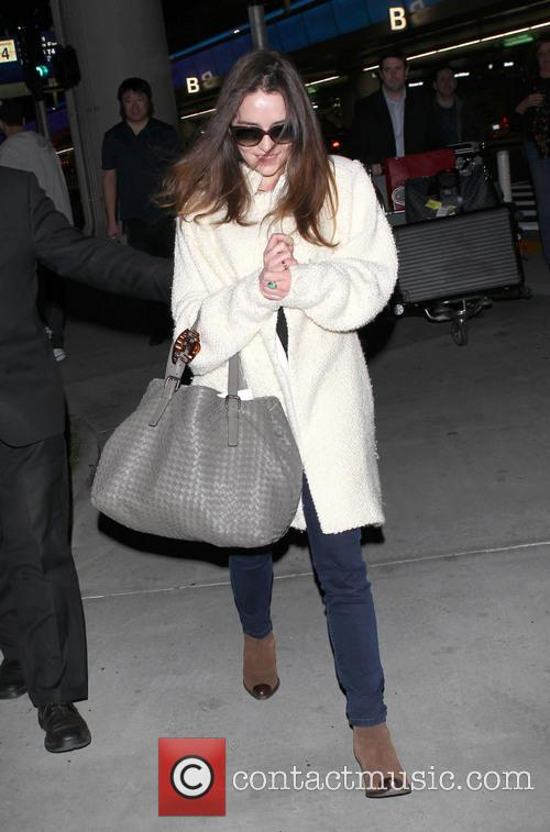 Emilia Clarke, Los Angeles International Airport