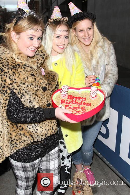 Pixie Lott and Fans 9