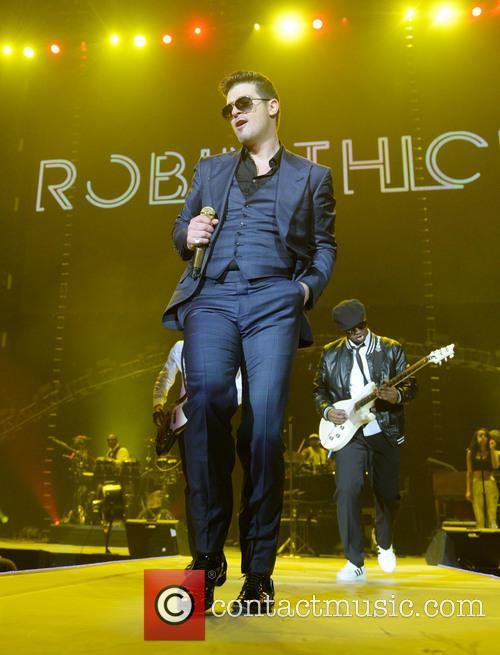 Robin Thicke performs in London