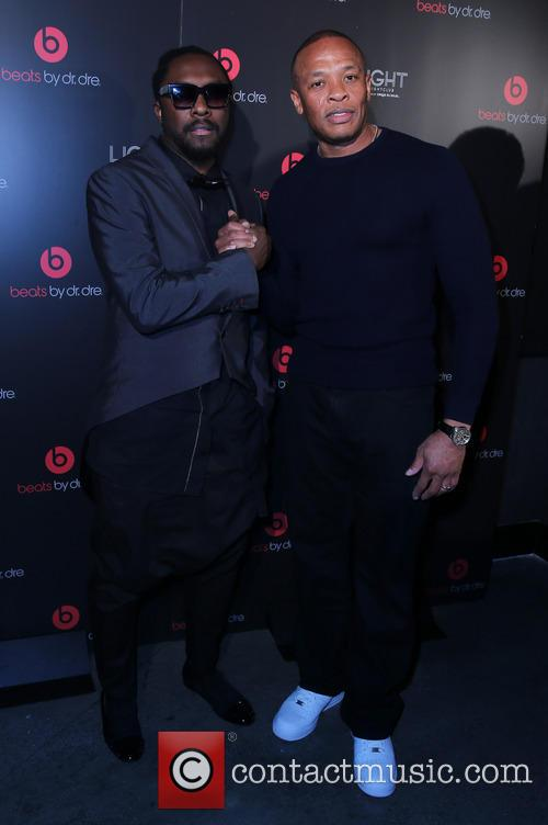 Will I Am and Dr Dre 6