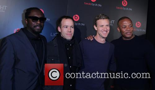 Will I Am, Luke Wood, Ian Rogers and Dr Dre 7